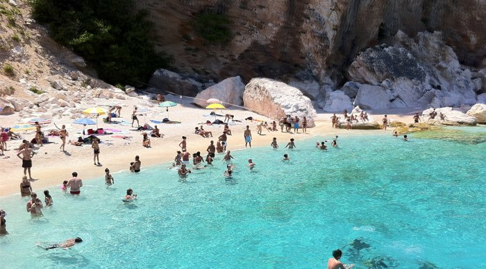 12 beaches with crystal clear water air champion24 for Best clear water beaches in the world